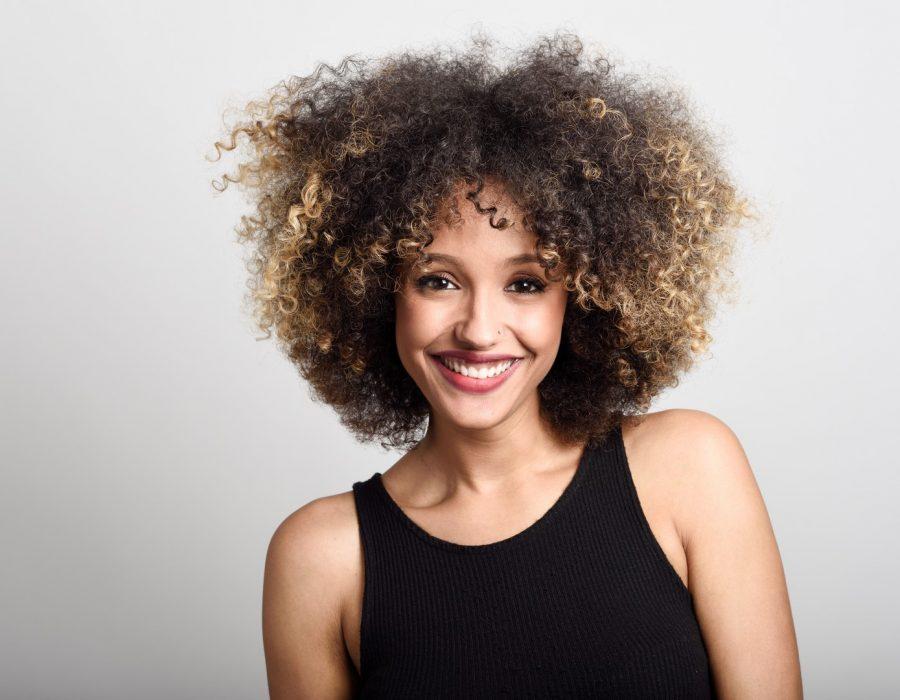 CabeloOmbreHair53 Unsplash 900x700 - Cabelo ombré hair: 40 fotos, dicas de cuidados e técnicas para ombré hair
