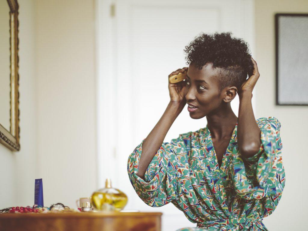 Cabelo raspado do lado: 15 inspirações para você apostar no modelo ideal