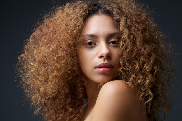 Como clarear o cabelo naturalmente: Dicas e técnicas simples que você pode fazer em casa
