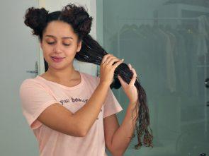 foto 4 texto agosto 295x221 - Umectação noturna: dicas para arrasar com o cabelão!