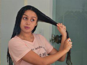 foto 7 texto agosto 295x221 - Umectação noturna: dicas para arrasar com o cabelão!