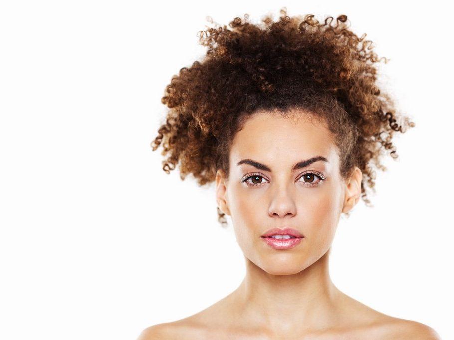 penteados para casamento convidada6 910x683 - Penteados para casamento convidada: Inspirações para apostar