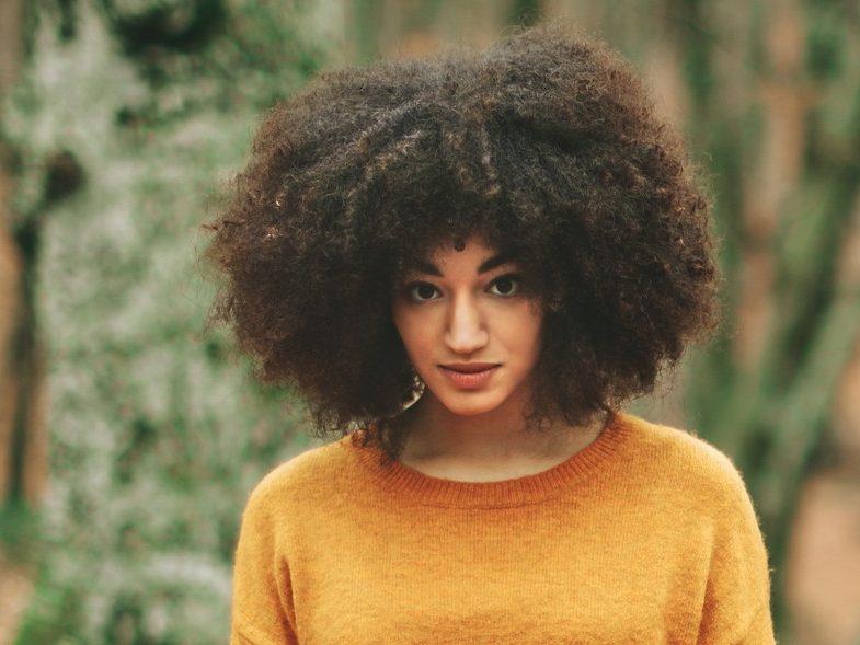 Tipos de cabelo crespo: Como identificar e cuidar