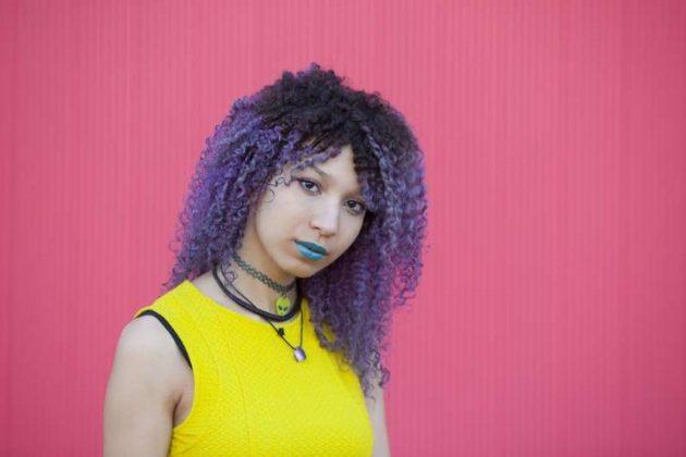 cabelo colorido nas pontas 630x420 - Cabelo colorido nas pontas: Inspirações, dicas e técnicas para apostar nas cores fantasias