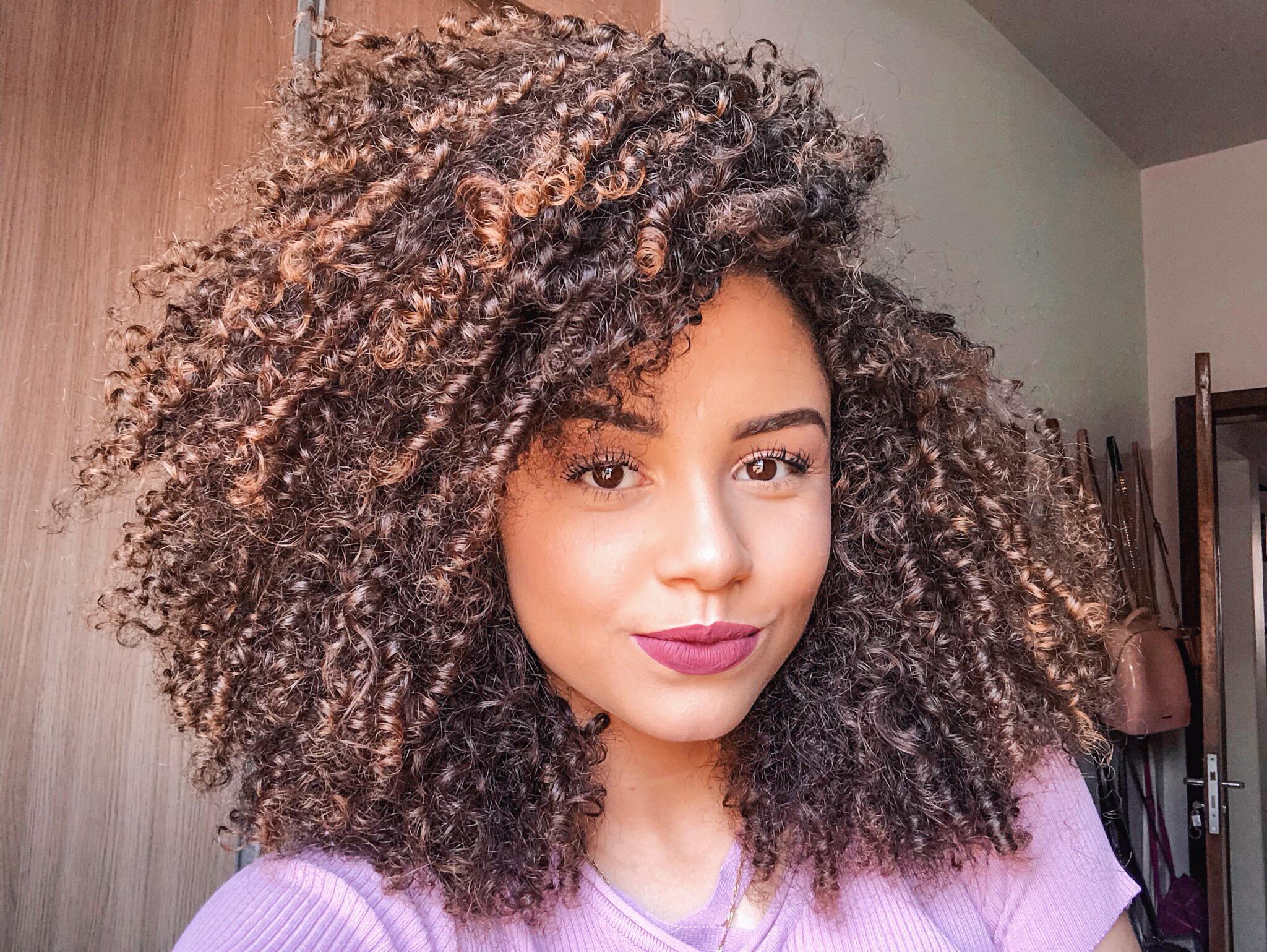 Ana Lídia cabelos repartidos