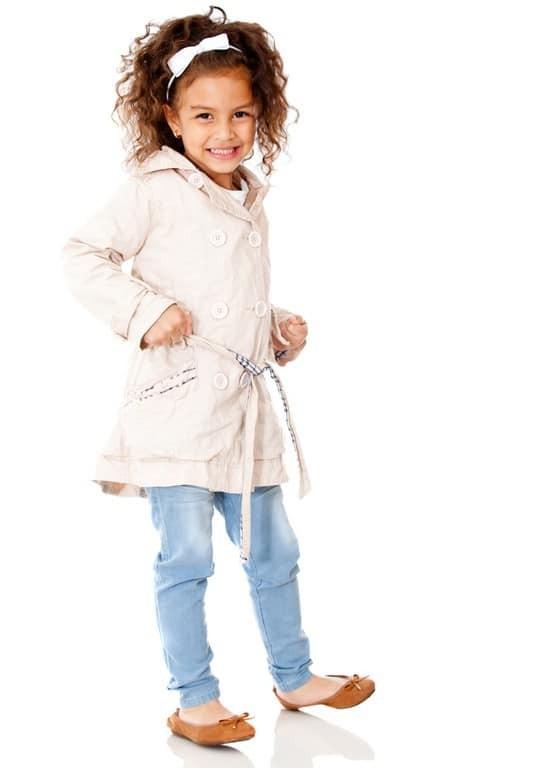 penteado infantil para cabelo cacheado5 - Penteados para daminhas: dicas de penteados fáceis e elegantes