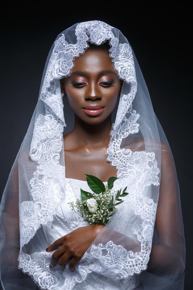 Penteados para noivas: Melhores opções de penteados para diferentes estilos, acessórios e dicas