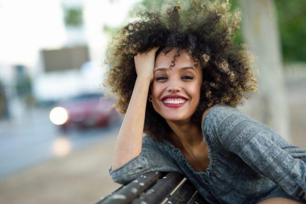 cores para cabelo cacheado2 630x420 - Cores para cabelo cacheado: Tendências de tons, luzes, mechas e muitas dicas