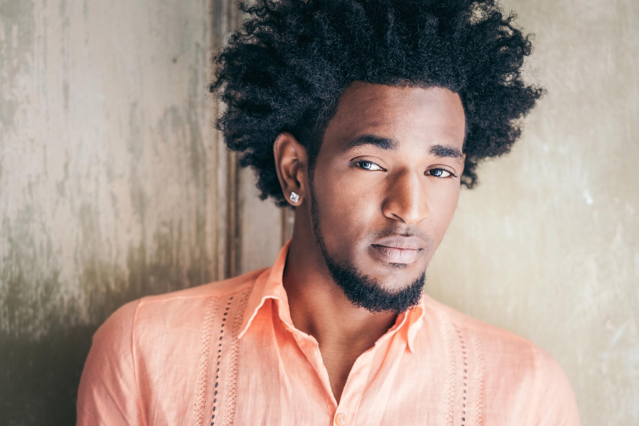 corte de cabelo afro masculino3 - Corte de cabelo afro masculino: Melhores modelos, finalização e dicas