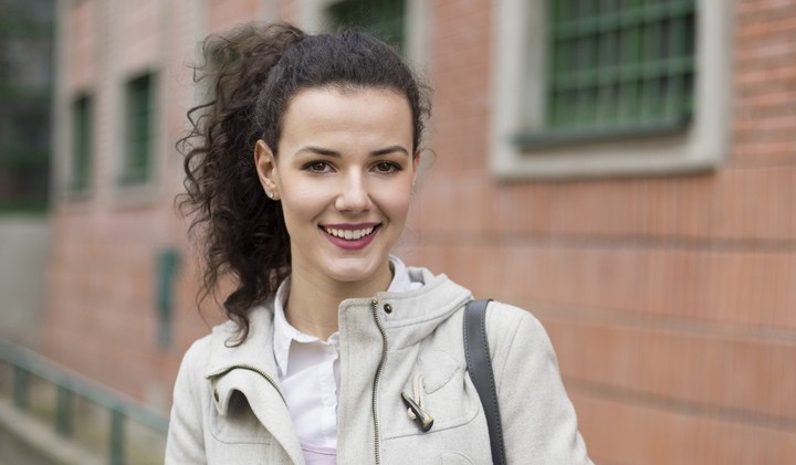 cortes de cabelo feminino medio 27 - Cortes de cabelo feminino médio: dicas e ideias para todo tipo de fio