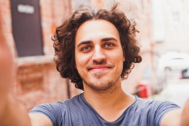 cortes de cabelo masculino ondulado9 630x420 - Cortes de cabelo masculino ondulado e cacheado: Melhores modelos, inspirações e dicas