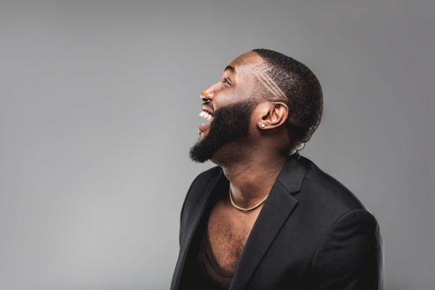 cabelo afro masculino4 630x420 - 16 cortes de cabelo masculino crespo para nunca mais dizer que ficou sem criatividade