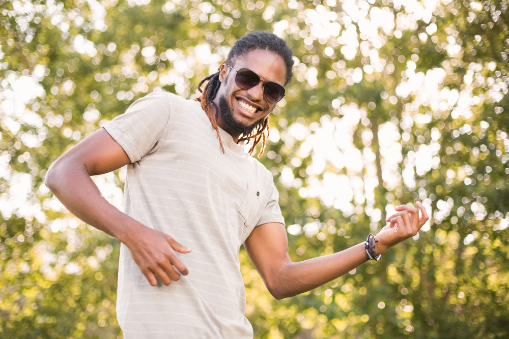 Cabelo crespo masculino: melhores dicas de cortes e cuidados