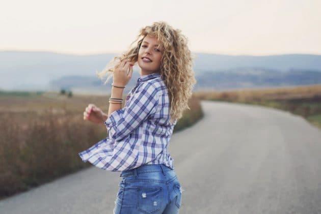 corte de cabelo cacheado 22 630x421 - Corte em V: dicas de cortes para cabelos curtos, médios ou longos