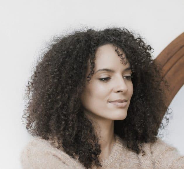 corte de cabelo cacheado 47 630x581 - Corte em V: dicas de cortes para cabelos curtos, médios ou longos