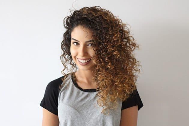 corte de cabelo cacheado 55 630x420 - Corte em V: dicas de cortes para cabelos curtos, médios ou longos
