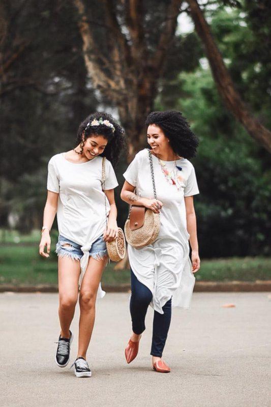 """Amizade a distância: 5 motivos para sair do """"vamos marcar"""" e marcar mesmo"""