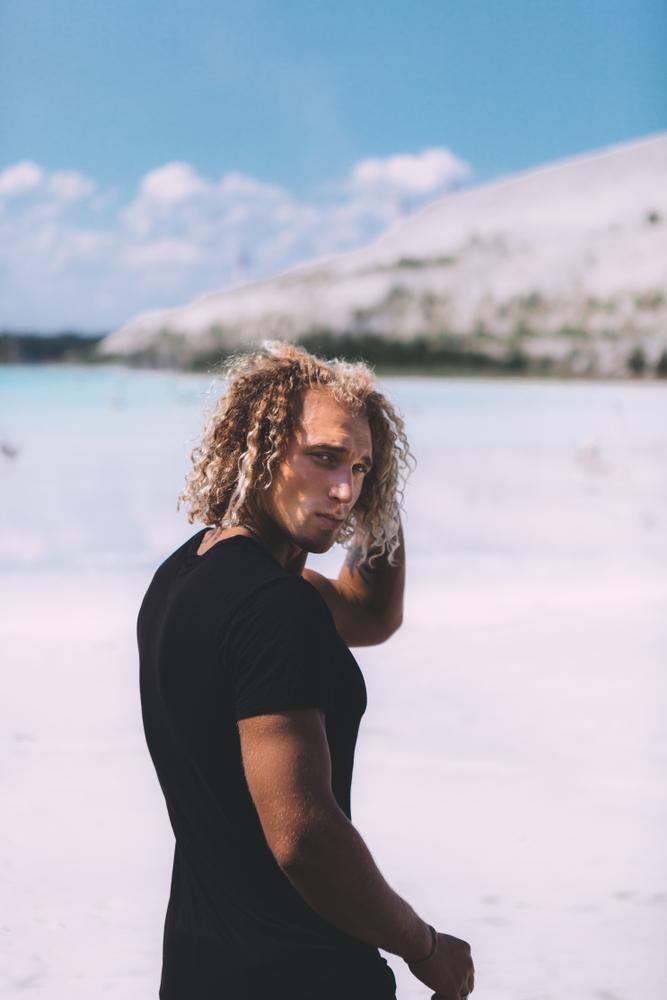 Luzes masculinas: fotos e dicas para aderir o visual aos cabelos