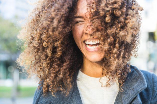 cabelo cacheado curto14 630x420 - Tudo para você apostar sem medo no cabelo cacheado curto