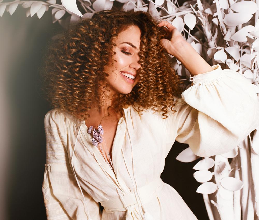 shutterstock 1038278725 - Curiosa para saber como usar glicerina no cabelo? A gente ensina!