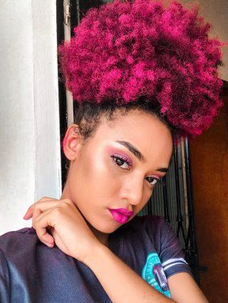 afropuff6 320x425 - Dúvidas sobre cabelos coloridos? Respondemos à todas elas para você!