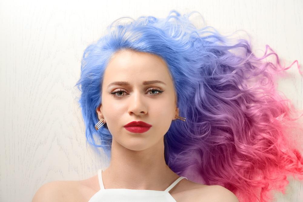Cabelo colorido para pele clara - Dúvidas sobre cabelos coloridos? Respondemos à todas elas para você!