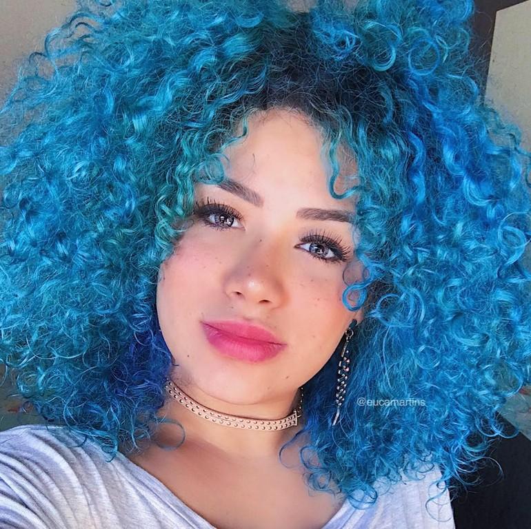 cabelo cacheado colorido6 - Dúvidas sobre cabelos coloridos? Respondemos à todas elas para você!
