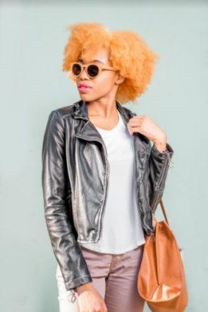 cabelo crespo - Dúvidas sobre cabelos coloridos? Respondemos à todas elas para você!