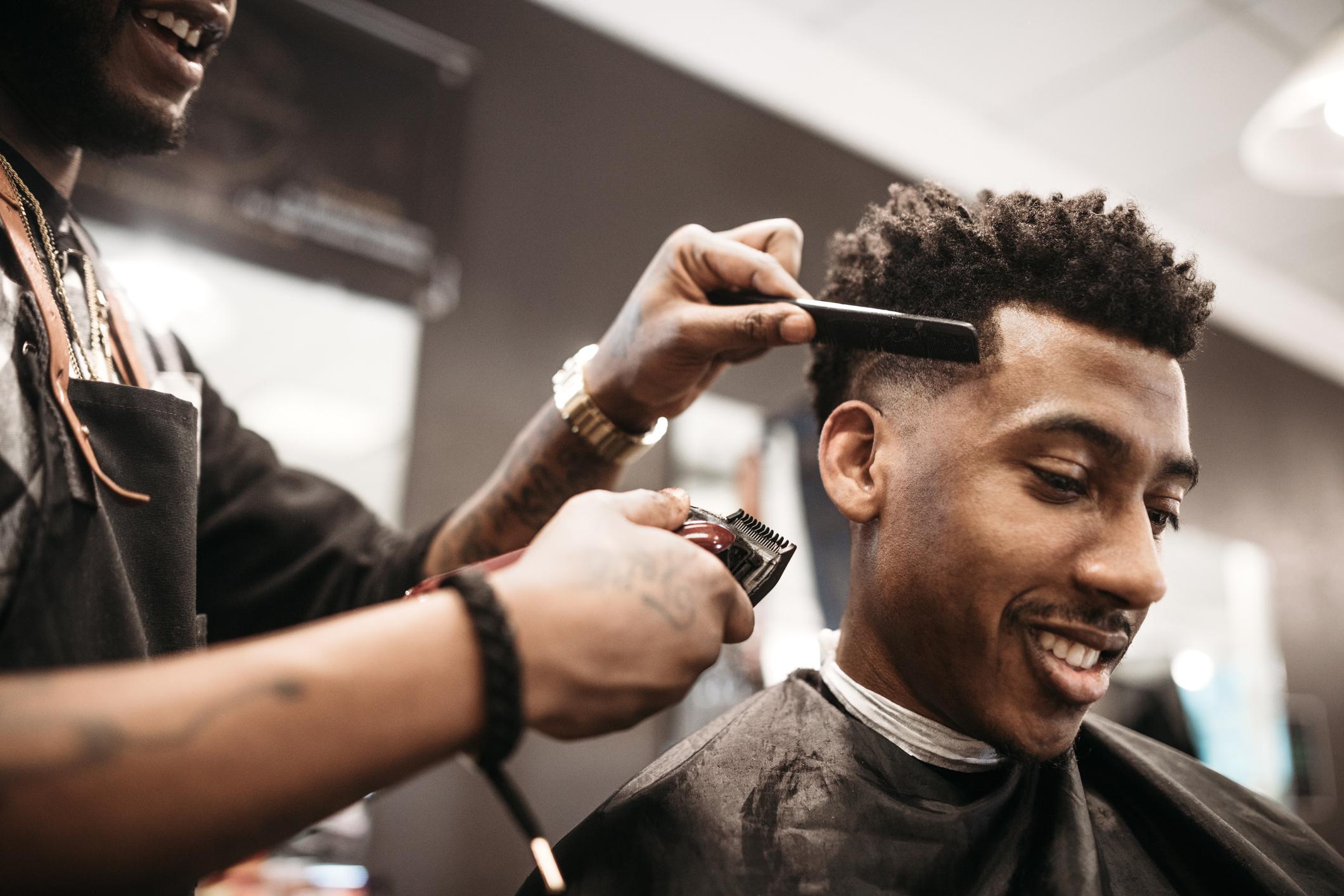 Tudo o que você sempre quis saber sobre o corte de cabelo masculino degradê