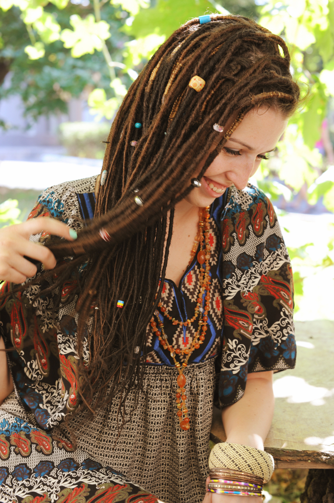 Você conhece os penteados hippie chic? Veja como apostar no estilo retrô com muita elegância!