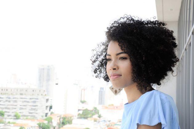 cabelos curtos 10 630x418 - Cabelos curtos para cacheadas e crespas: melhores dicas e tendências