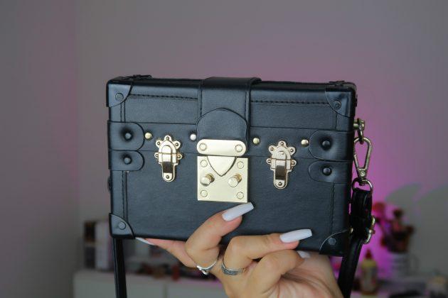 Carol Mamprin bolsa 630x420 - Quais são as bolsas que eu mais amo?