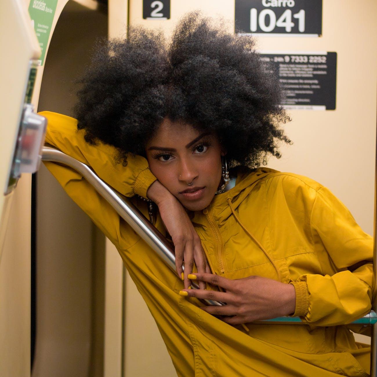 corte de cabelo crespo 9 - Corte de cabelo crespo: se liga nos looks poderosos que trouxemos para você
