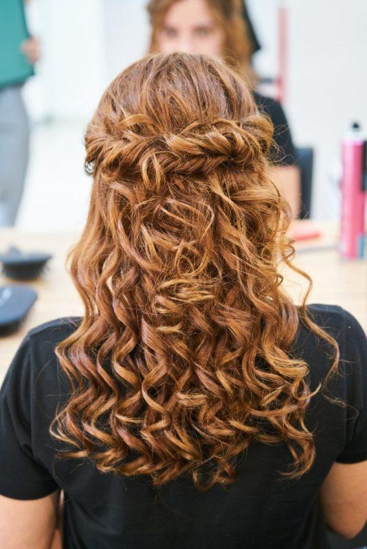 penteados com cachos 5 534x800 - Separamos 6 penteados com cachos incríveis para você se inspirar