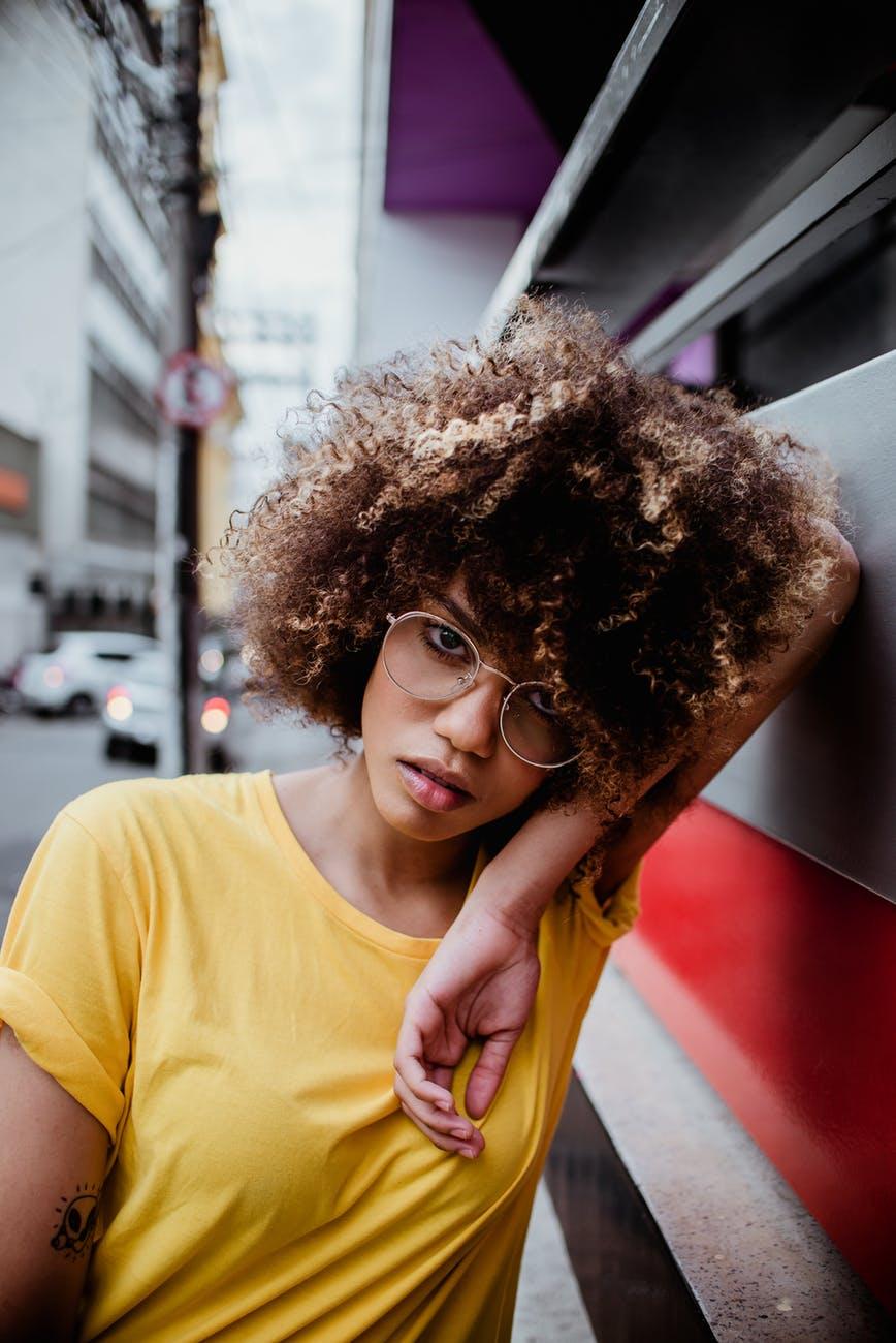 cabelo loiro cacheado 4 - Cabelo loiro cacheado e crespo: ideias de looks para apostar