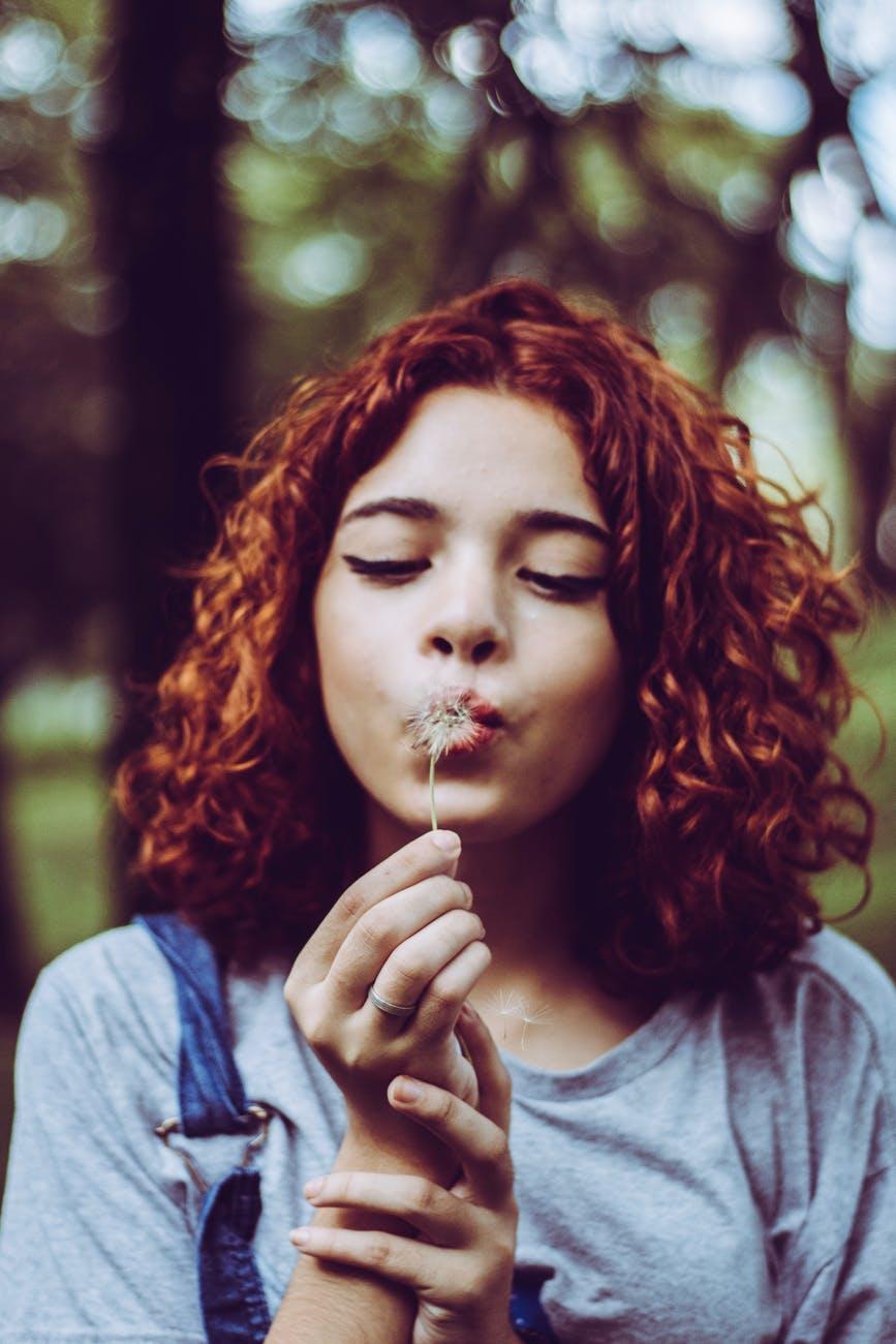 cabelo cacheado ruivo 1 - Quais os segredos para um cabelo cacheado ruivo sem defeitos?
