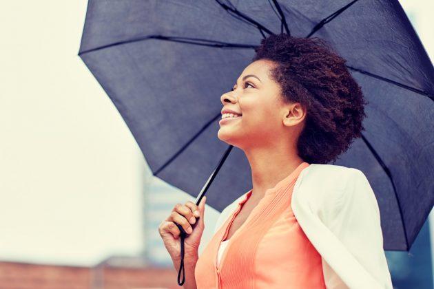 5b1b440b c662 4fea 8e57 9167af850357 630x420 - 5 dicas para cuidar dos cabelos cacheados em dia de chuva