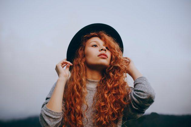6e21f238 4641 421c 82d5 48f69dd21bb4 630x420 - Como conquistar um cabelo cacheado longo bonito e saudável