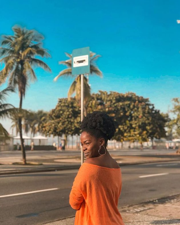 Afro puff 630x788 - 10 penteados para cabelo crespo que são um arraso!