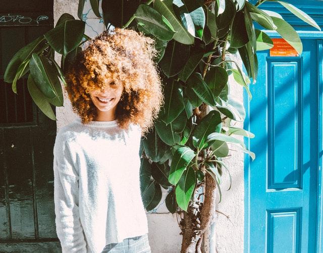 Como voltar a cor natural do cabelo