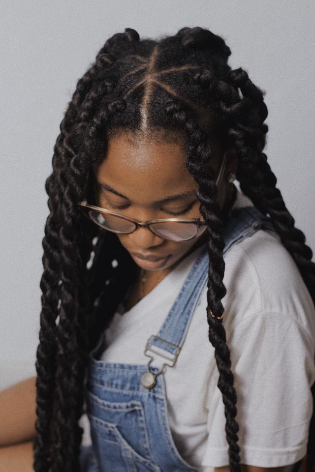 twist cabelo cacheado - Trança twist: saiba tudo sobre esse penteado estiloso e prático
