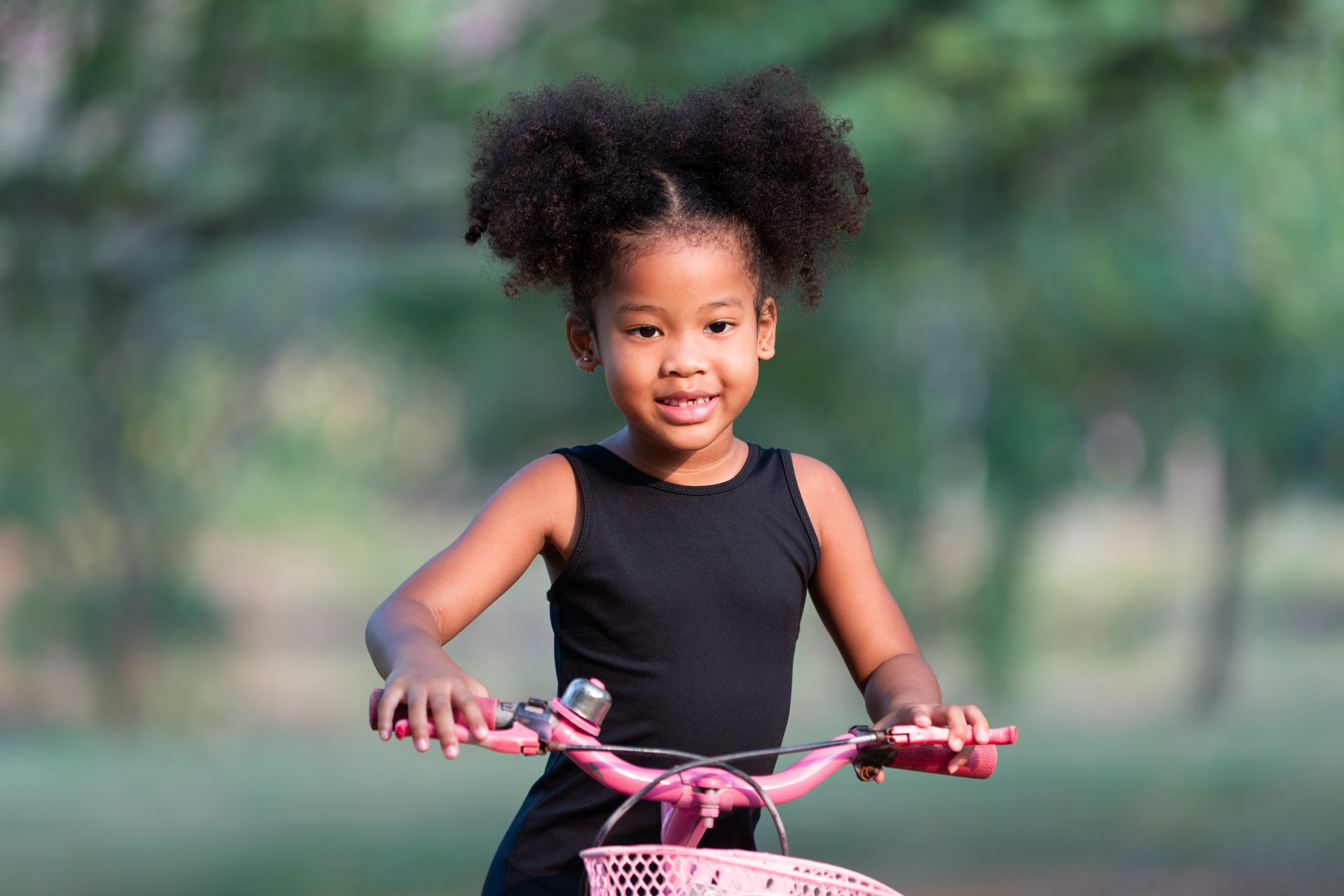 cabelo crespo infantil scaled - Chega de choro: como pentear o cabelo infantil sem sofrimento